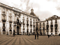 Piazza università  - Catania (5525 clic)