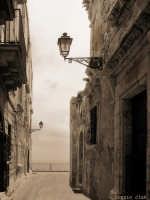Fra le strade di Ortigia  - Siracusa (2336 clic)