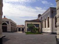 Via Zurria,l'edificio del vecchio macello,dopo la ristrutturazione  - Catania (9508 clic)