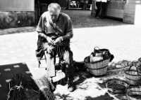 Festa dell'ottrobrata:Il cestinaio.  - Zafferana etnea (2268 clic)