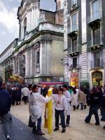 Festa di S.Agata.Via Etnea e alle spalle la chiesa di S. Michele Arcangelo  - Catania (2171 clic)