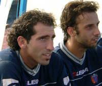 Catania calcio.Caserta e Mascara in panchina durante il 2° tempo dell'amichevole giocata con la Virtus  - Nicolosi (3271 clic)