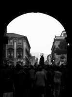 Processione .Vista da porta Uzeda  - Catania (1583 clic)