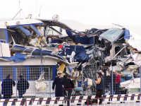 Collissione nello stretto di Messina.Questi sono i resti dell'aliscafo delle FS Segesta Jet dopo l'urto con la nave portacontainers.  - Messina (3893 clic)
