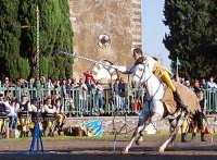 Festa del patrono 12 Aprile,durante lo svolgimento della giostra dei cavalieri.  - San gregorio di catania (3060 clic)