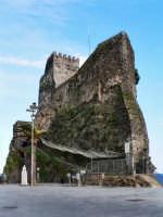 La rocca ed il castello  - Aci castello (1815 clic)