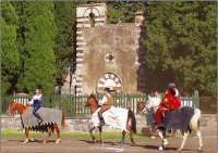 Festa del patrono 12 Aprile,durante lo svolgimento della giostra dei cavalieri.  - San gregorio di catania (4650 clic)