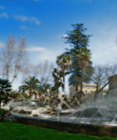 Piazza Giovanni XXIII:Il ratto delle sabine  - Catania (2104 clic)