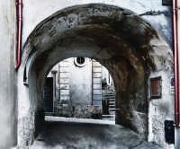 Passeggiando per le strade della vecchia città  - Ragusa (2047 clic)