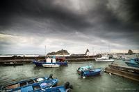 Porto Acitrezza Porto Acitrezza con mare in tempesta  - Aci trezza (421 clic)