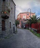 la strada che conduce allo scalo Pennisi  - Santa tecla (7415 clic)