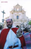 Processione del Venerdi Santo uscita dalla chiesa dell ' Annunziata foto2  ISPICA Paolo Sindona