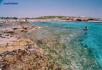 Spiaggia al confine sud della riserva naturalistica di Vendicari , caratterizzata da sabbia bianca : come i Caraibi .  - San lorenzo (16970 clic)
