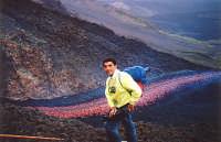 Questo sono io ; la colata è quella del 1992 che minacciò Zafferana  - Valle del bove (7540 clic)