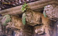 balcone barocco di Palazzo Denaro  - Militello in val di catania (1498 clic)