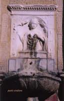 fontana della Zizza , la Zizza in persona  - Militello in val di catania (1471 clic)
