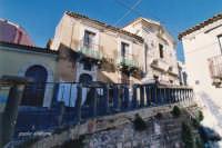 scorcio di stradine siciliane  - Militello in val di catania (2999 clic)