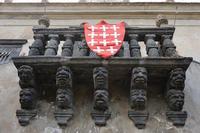CASTEL S MARCO balcone barocco in pietra lavica . e' l'unico in SICILIA ?  - Calatabiano (7541 clic)