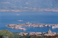 Il porto di Messina dai Colli  - Messina (5940 clic)