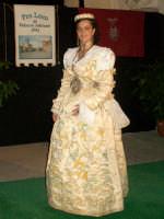 abito albanese del matrimonio di Palazzo Adriano indossato da Fabienne Pacino miss arbereshe 2007 foto scattata la sera dell'elezione a spezzano albanese(cs) il 25 agosto 2007  - Palazzo adriano (9414 clic)