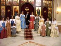 gruppo di ragazzi in abito albanese di palazzo adriano  - Palazzo adriano (3275 clic)