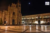 notturna chiesa del Sacro Cuore e piazza    - Acireale (502 clic)