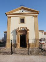 Santuario della Madonna della Cava  A seguito del il ritrovamento dell'immagine della Madonna delle Cave che apparve in sogno ad un muto fu costruito questo Santuario    - Pietraperzia (1195 clic)