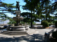 Fontana e piazzetta del Belvedere ENNA Rosario Colianni