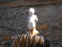 Particolare fontana piazza S.francesco ENNA Rosario Colianni