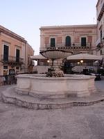 Fontana in Ragusa Ibla    RAGUSA Rosario Colianni