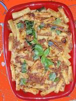 Rigatoni gratinati con ragù    - Enna (2753 clic)