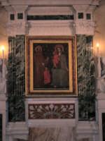 Madonna della Milicia  Santuario della Madonna della Milicia - Il Quadro raffigurante Maria in Trono con Gesù benedicente e un fedele presentato da S.Francesco  - Altavilla milicia (3437 clic)