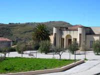 Vecchia caserma  Piazza della Bonifica - Un'Oasi di Tranquillita'  - Pergusa (2708 clic)