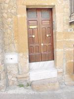 Piccola porta   - Piazza armerina (1056 clic)
