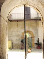 Cortile piazzese    - Piazza armerina (1273 clic)