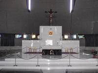 Altare Santuario  Interno Santuario Madonna delle Lacrime  Altare Maggiore con quadro della Madonna    - Siracusa (4263 clic)