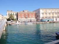 Verso Ortigia Ponte e Ortigia      - Siracusa (3928 clic)