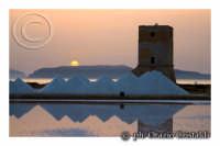 sullo sfondo le isole egadi  - Nubia (3065 clic)