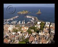 l'isola lachea e il faraglione oggi riserva marina  - Aci trezza (5959 clic)