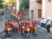 VI° Festa Medievale Festa del Ducato 2007 Camporotondo Etneo (CT), i Musici e gli Sbandieratori Leoni Realidi Camporotondo Etneo (CT) durante il corteo.  - Camporotondo etneo (1690 clic)