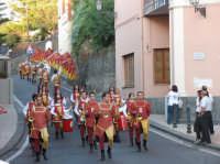 VI° Festa Medievale Festa de Ducato 2007 Momenti della sfilata del Corteo Storico gruppo Leoni Reali.  - Camporotondo etneo (2657 clic)