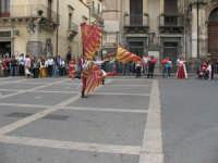Sagra della Ricotta 2008. Sbandieratori di Sicilia Leoni Reali di Camporotondo Etneo (CT).  - Vizzini (1689 clic)