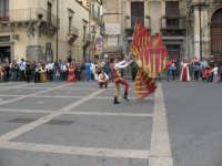 Sagra della Ricotta 2008. Sbandieratori di Sicilia Leoni Reali di Camporotondo Etneo (CT).  - Vizzini (5814 clic)