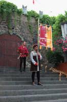 VII Edizione Festa del Ducato 2008. Sfilata Storica. Sbandieratori e Musici Leoni Reali  - Camporotondo etneo (1950 clic)