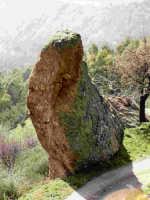 Formazioni rocciose presenti nei demani.  - Antillo (7011 clic)