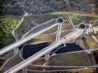 Particolare vista aerea del viadotto sulla nuova tratto Me-Pa.  - Caronia (5917 clic)