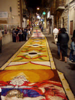 Infiorata 2004  - San pier niceto (4415 clic)