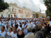 Ferragosto Messinese 2004 - Tiratori della Vara in movimento.  - Messina (4766 clic)