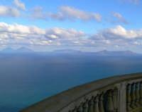Vista delle Isole Eolie dalla Guardiola. Foto del 21.12.2008  - Piraino (3470 clic)