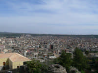 Vista aerea dal Castello Normanno, foto del 16.03.2008  - Paternò (1779 clic)